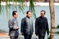 黄亚洲:满怀深情写小平
