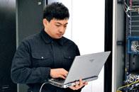 """姜昭晖:身残艺精的""""电脑大师"""""""