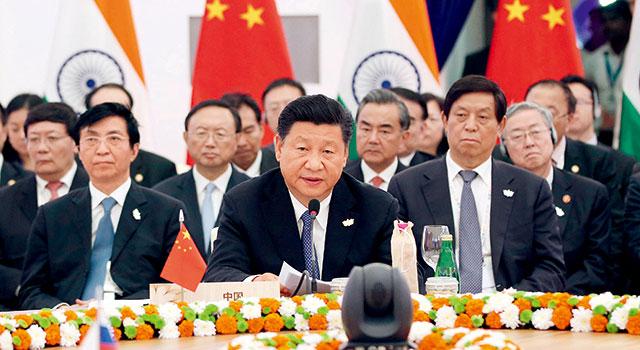 习近平:中方期待着同各方一道,共同落实好历届会晤共识,共同深化伙伴关系,谱写金砖国家合作新篇章