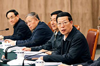 张高丽:严格按照规划方案,扎实推进北京城市副中心建设。抓紧制定控增量、疏存量政策意见的具体实施方案和配套政策,有序疏解北京非首都功能