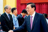 张德江:香港特别行政区基本法是伟大时代的非凡创造,充分凝聚了包括广大香港同胞在内的全体中国人民的共同意志,展现出强大的生命力