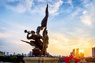 永远的壮丽史诗——读建军雕塑广场