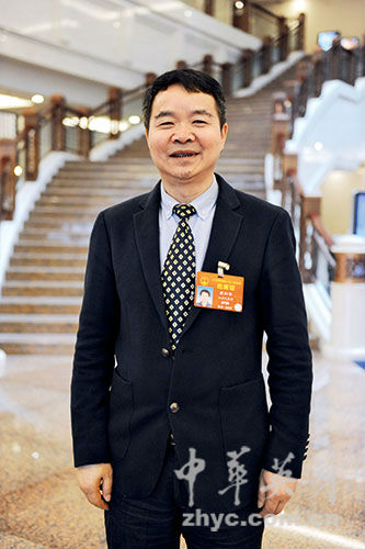 【1】全国人大代表-、白塔村党总支书记欧阳华-(2)